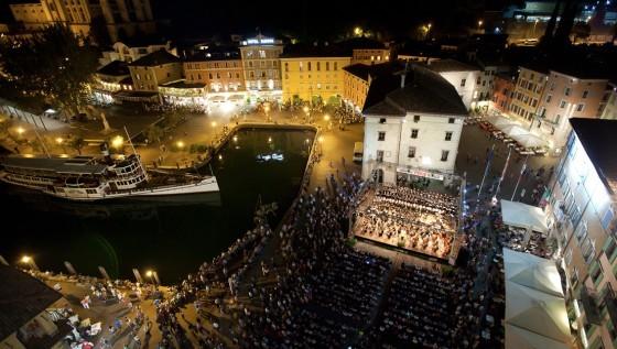 Musicariva festival coro renata tebaldi sebastiano rolli - Riva barche sito ufficiale ...