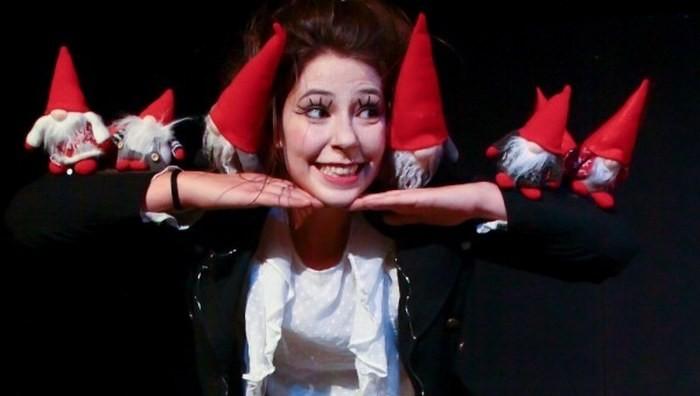 Compagnia teatrale Mattioli: Gli omini rossi e Babbo Natale